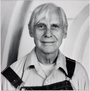 Willem de Kooning 1986 by Robert Mapplethorpe 1946-1989. Image courtesy Sean Kelly Gallery and Robert Mapplethorpe Foundation