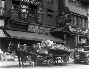 Chinatown, New York City, 1934. Gelatin Silver Print. Imogen Cunningham © Imogen Cunningham Trust. Image courtesy Seattle Art Museum